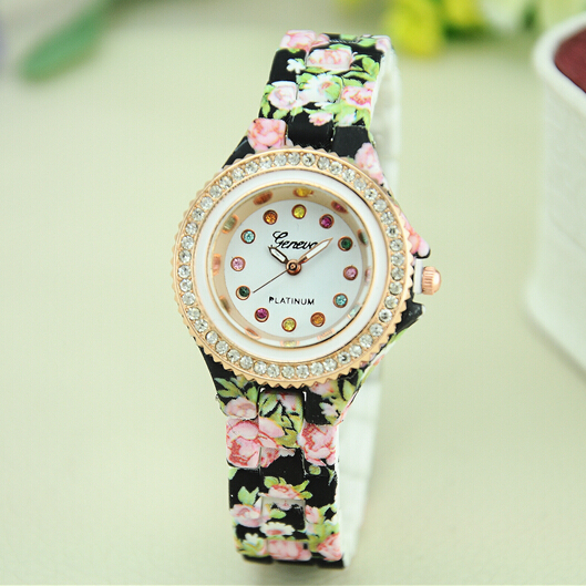new Geneva type wrist watch young ladies flower plastic fancy hand clocks relojes de mujer 2015