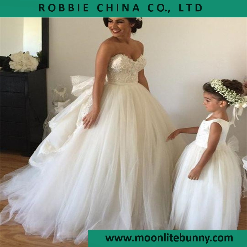 2016 Wedding Dress with Detachable Train Sweetheart Beaded Bodice Spring Wedding Vintage Ball Gown Wedding Dress with Arm Bands