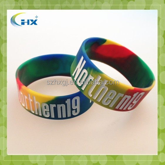 2015 Promotional debossed with color filled logo customized silicone wrist bands