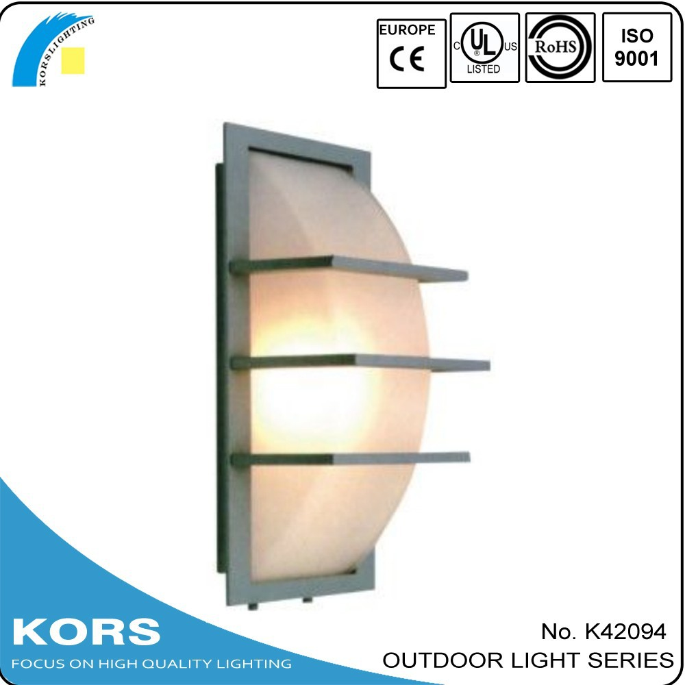 aluminum high quality new design warm color Waterproof traditional outdoor wall light