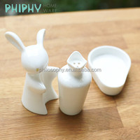 rabbit and carrot funny salt and pepper shakers in spice tools