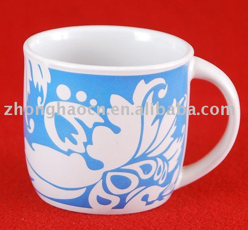 Coffee mug with flower design