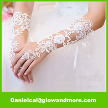 New style hot selling Lace Fingerless wedding glove for wedding party