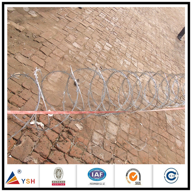 Low price pvc coated concertina hot dipped galvanized razor barbed wire for safety