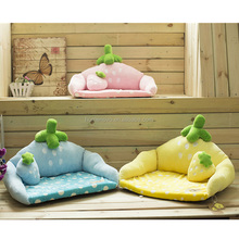 High Quality Fiber Warm Cute Strawberry Shaped Pet Bed Cushion Mat Dog Bed