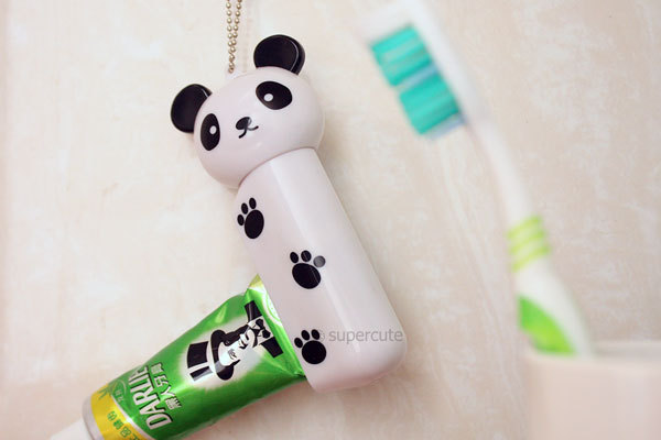 Creative new toothpaste dispenser in animal shape