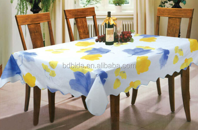 good price and manufacturer for printed oblong Vinyl table cloth with flannel backing, stitched edge