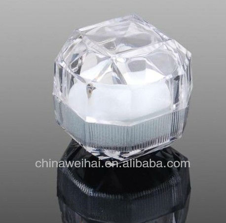 Yiwu Clear Acrylic Ring Box