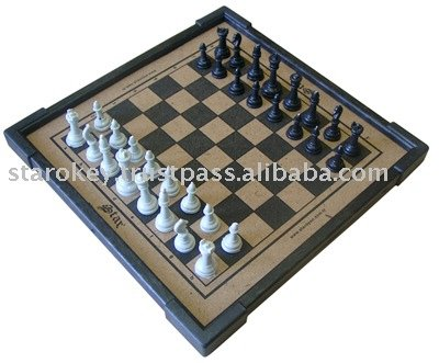 CHESS SET WITH FRAME