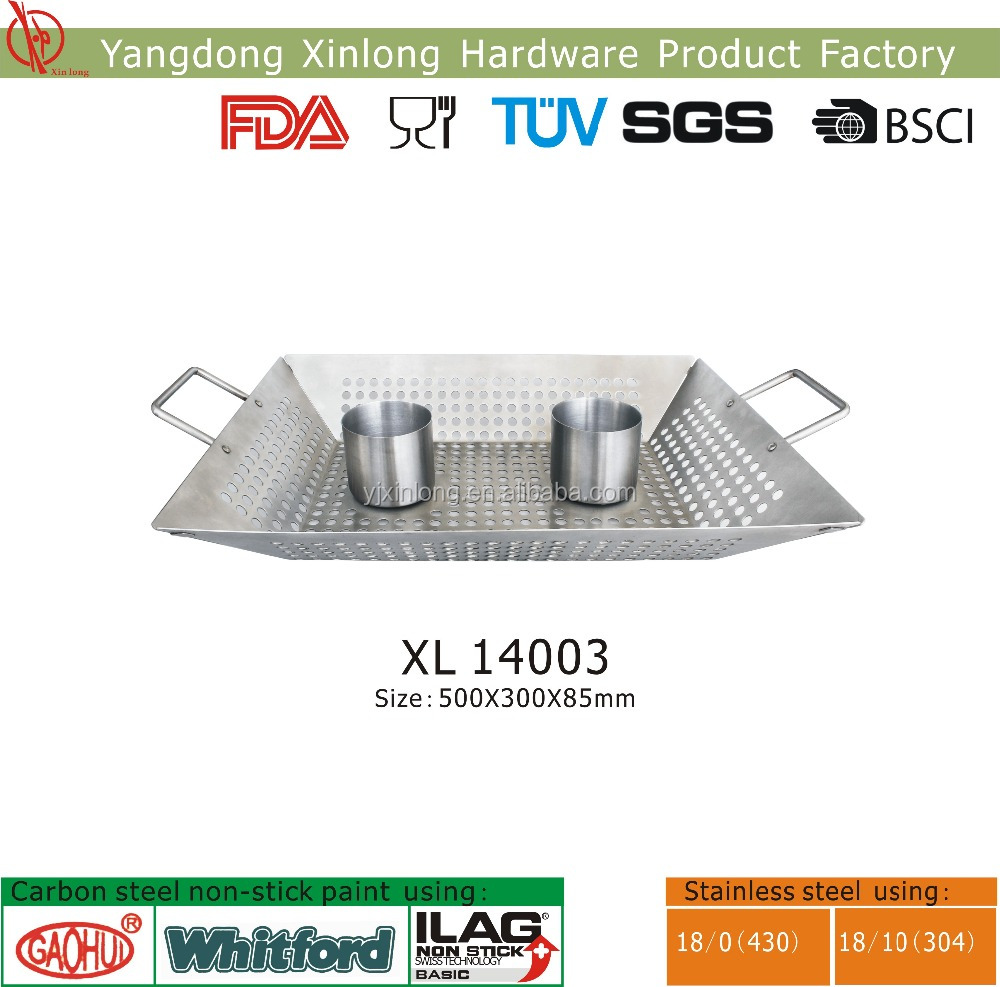 BBQ grill wok with chicken holder