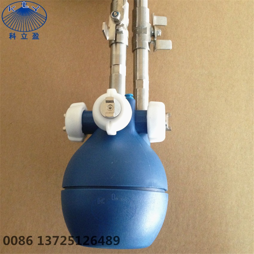 Low pressure dry fog industrial humidifier