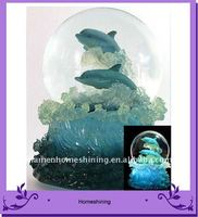 polyresin color light dolphin water globe gift
