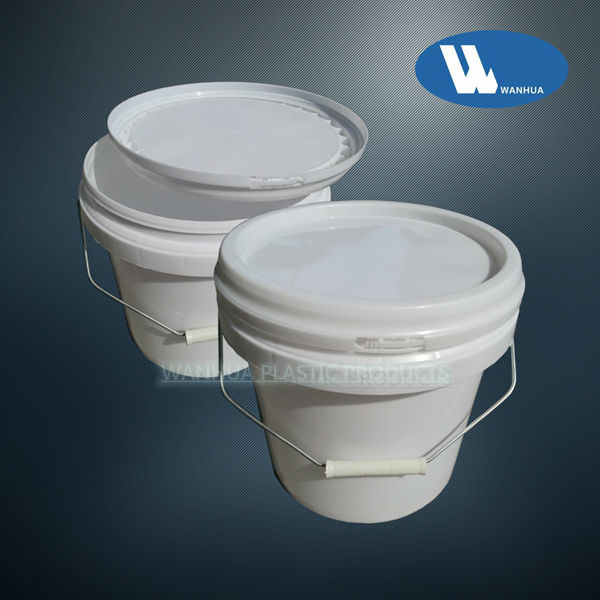 5L plastic buckets with handles