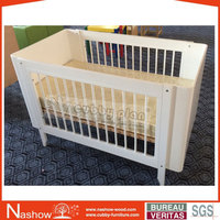 Cubby Plan LMBC-004 New Design 4 in 1 High Quality Small Quantity Infant Wooden Baby Cot