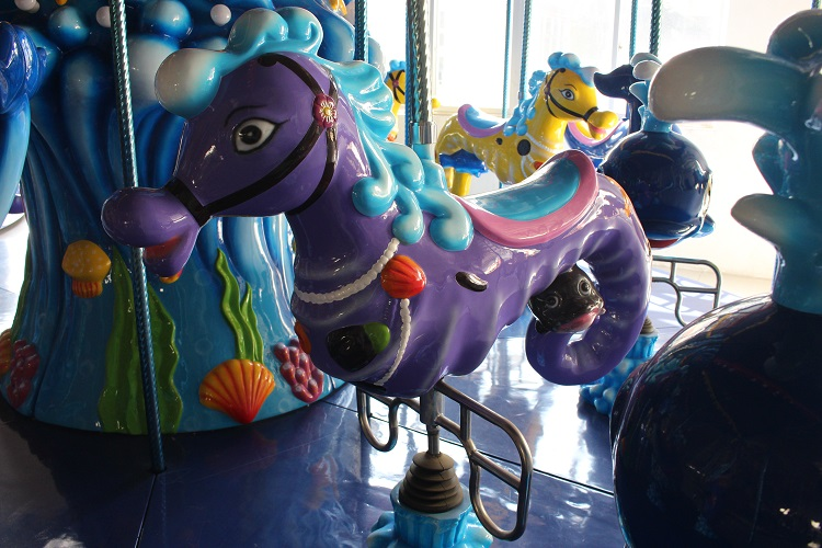 Merry go round mini kids ocean carousel with 5 seats for sale
