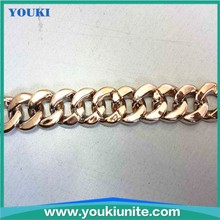 gold and silver color plastic snow chain