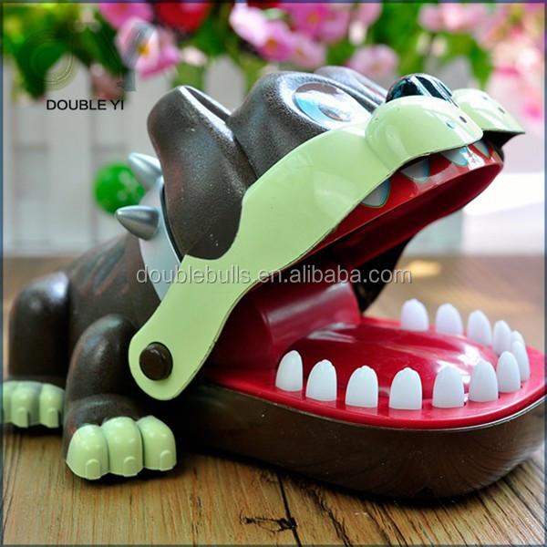 Custom China manufacturer hot-selling Novelty Plastic Bite Finger Funny Toy , bulk plastic animal toysFor Child