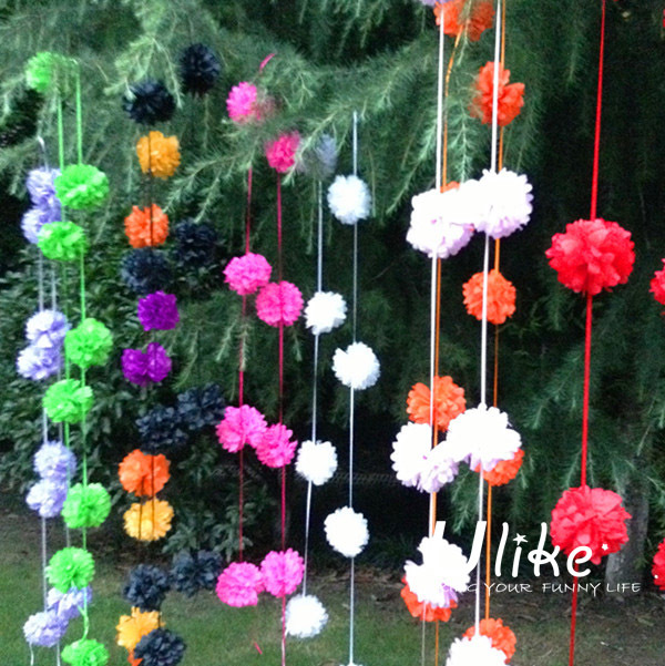 Garden decoration garland tissue paper pom poms hot sale for Decoration jardin soiree