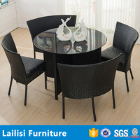 Special design outdoor garden pe rattan wicker round dining table and 4 chairs set