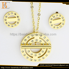 High Quality Stainless Steel Gold Plated Round Necklace Pendants Fashion Jewelry Set