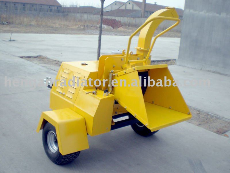 hydraulic diesel self-power wood shredder /wood chipper