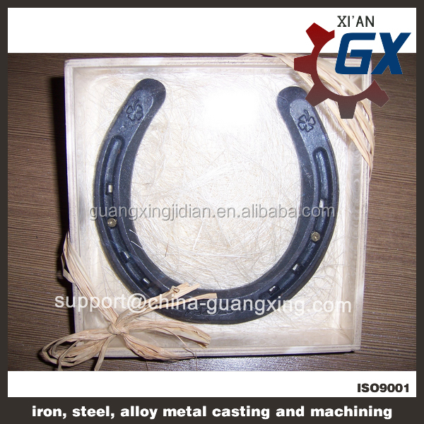Horseshoe magnet horseshoe craft for wedding decorations for Where to buy horseshoes for crafts