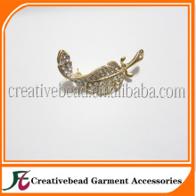 Wholesale alibaba express rhinestone jewelry brooches feather brooch for wedding dress