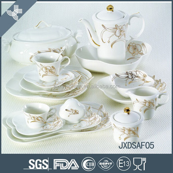 2015 NEW STYLE! 101pcs fine porcelain dinner set with gold decal
