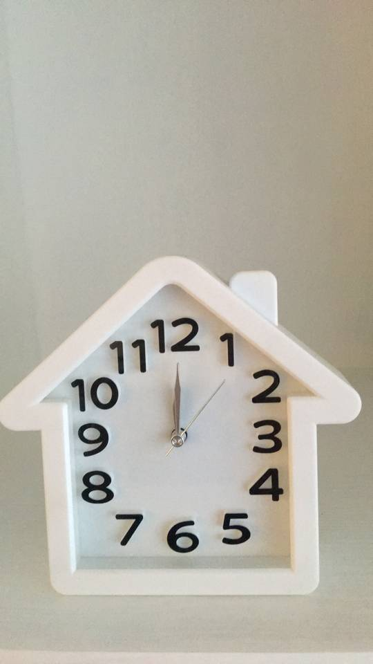 House shaped by the child's favorite unique table clock famous brand supply directly
