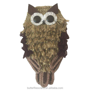 Lifelike artificial owl decorative for Halloween