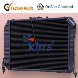 High efficient heat dissipation copper auto radiator for Toyota truck