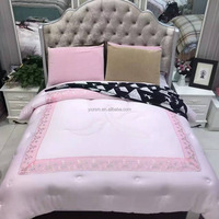 Wholesale China Supplier Vintage Luxury Fabric Art Quilted Bedspreads Bedding Quilt