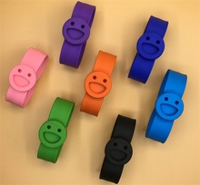 Children Babies Outdoors Silicone Smiling Face Clap Ring Anti Mosquito Bracelet