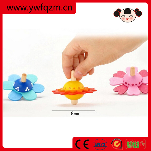 Promotional beautiful flower design wooden spinning top