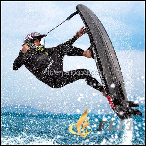 Foto italian molte gallerie fotografiche molte su immagine italian - Tavola da surf a motore ...