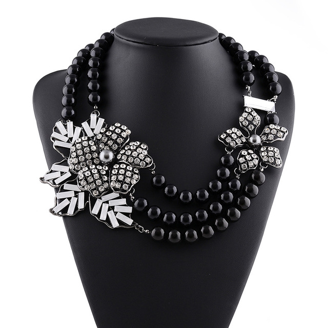 Fashion Pearl Beads chain with Crystal Flower Pendants Statement Necklace