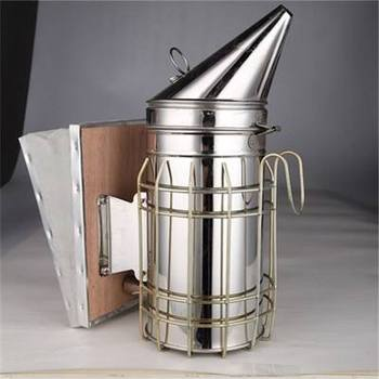 Manual bee smoker for beekeeping