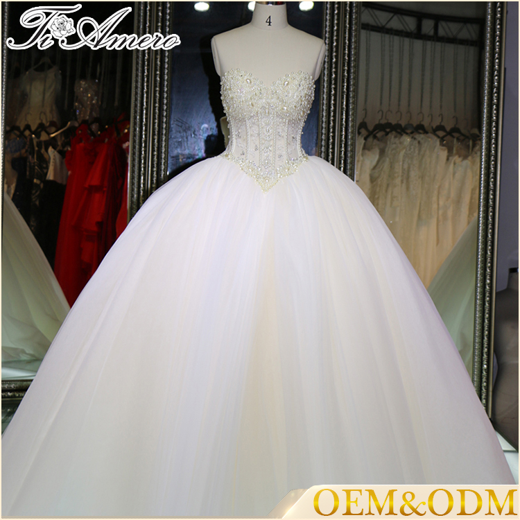 China factory direct new fashion elegant gorgeous backless beads beach wedding dress white