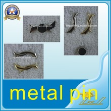 Wholesale promotion metal lapel pins sticker magnetic silver pin