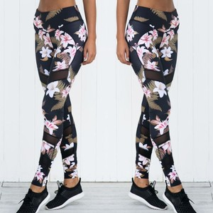 Factory Directly Sale Mesh Flower Pattern Printing Sports Yoga Leggings Hip Elastic High Waist Women Yoga Pants in Fitness