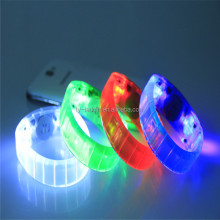 Supply of LED silicone glow bracelets fashionable flash cheer bracelets