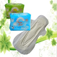 Disposable sanitary pad belt and sanitary napkin