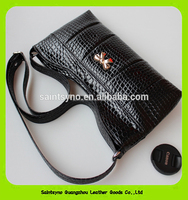 15604 Factory Direct selling Leather Handbag for lady with 1 big compartment & zipper closure