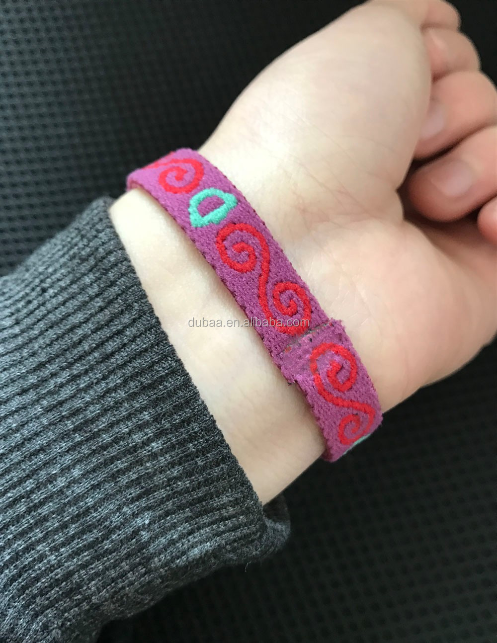 Sporting Fashion Jacquard Band No Slip Bangle Silicone Lined Sports & Fitness Athletic Women Bracelet Band