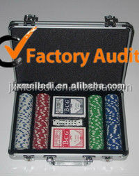 2017 heavy duty fashion professioal 500 poker chip set with silver case