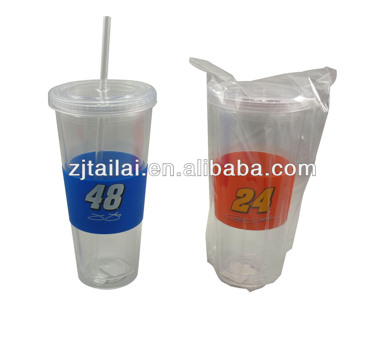 16 OZ double wall plastic tumbler with matching textured sillicone grip