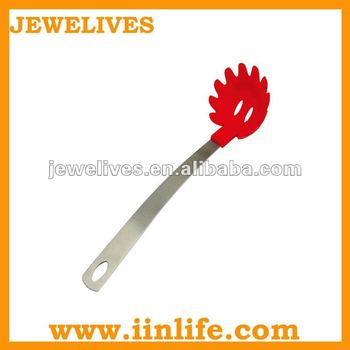 Flower shape long handle silicone spoon with leak