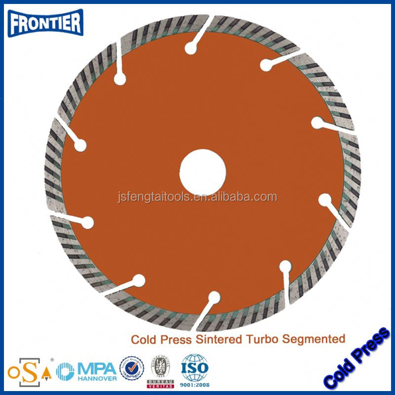 Ceramic tile using sintered continuous rim turbo circular diamond saw blade