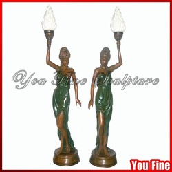2016 New Design Lady Bronze Sculpture With Lamps