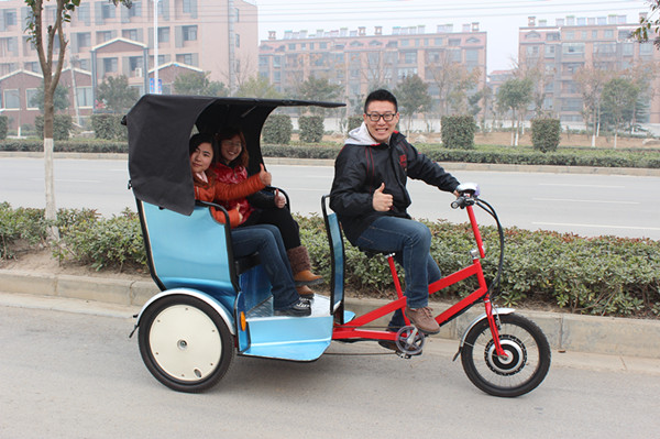 passenger e-tricycle